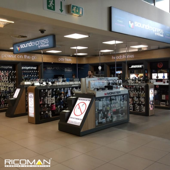 WH Smith Liverpool Airport